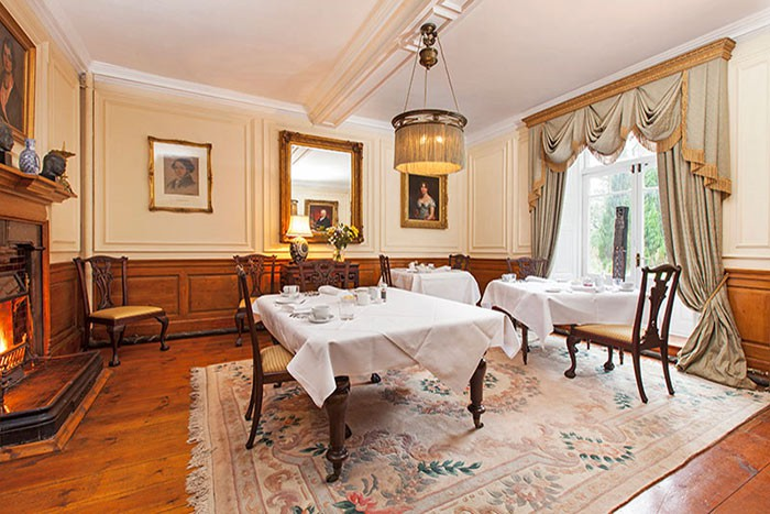 Austwick hall luxury country house b b accommodation in for Best restaurants with rooms yorkshire dales